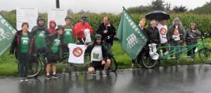 Et ce lundi 24 août,  devant le site présumé de la CCCG, le Tour Tandem s'apprête à prendre la route vers le village Etape de Lannilis